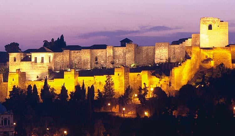 La Alcazaba iluminada